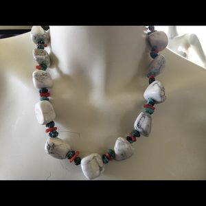 Jewelry - Howlite, turquoise and coral necklace